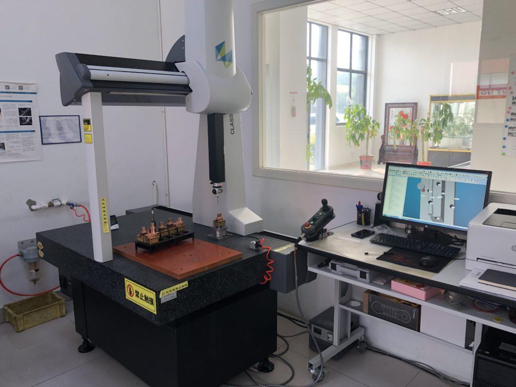 金型 寸法測定 三次元測定機