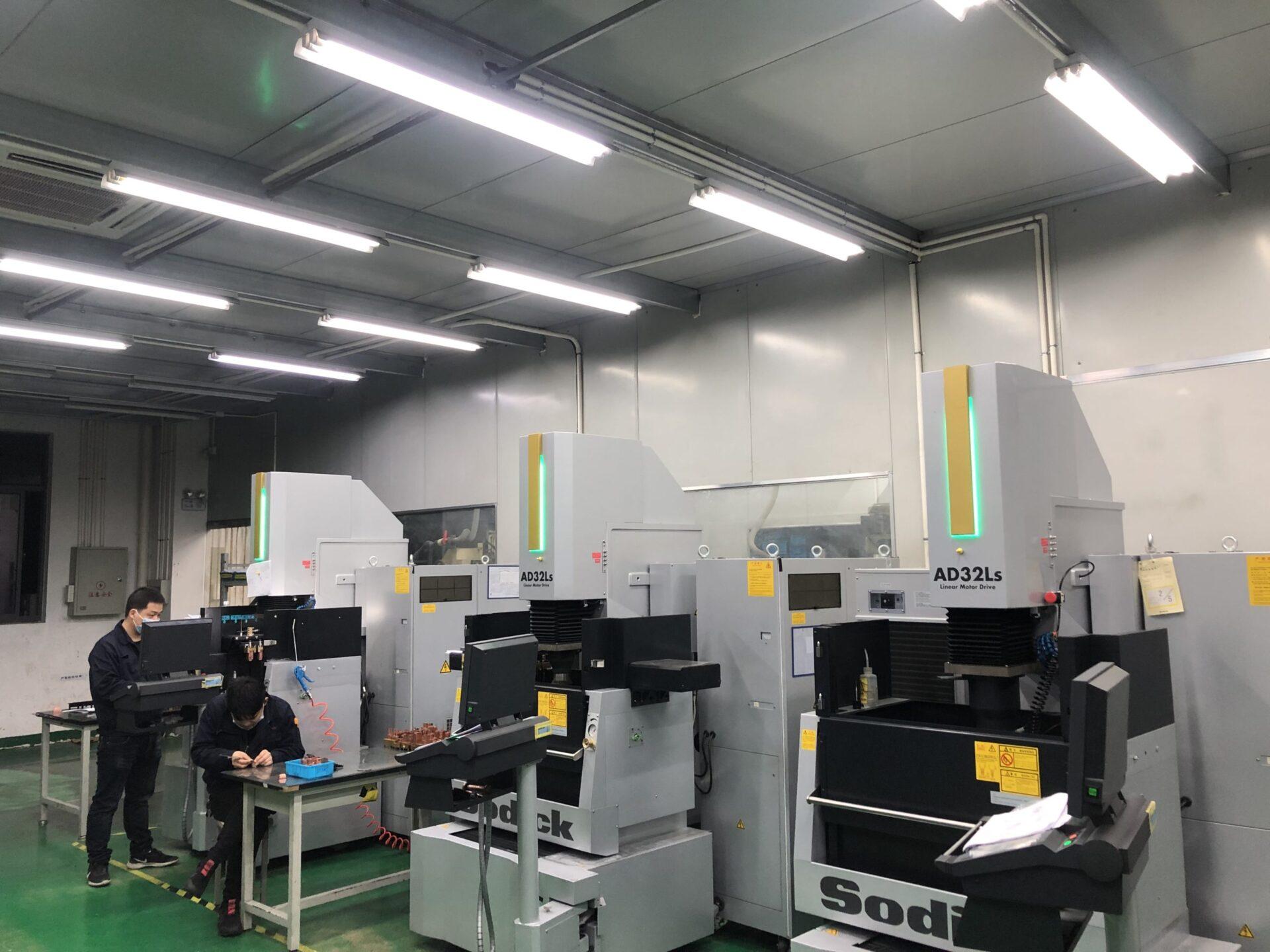 昆山工場 放電加工機 SODIC_AD32Ls